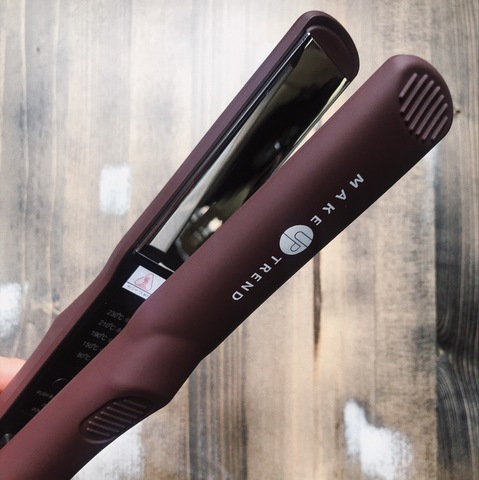 Утюжок для волос Makeuptrend с титановым покрытием